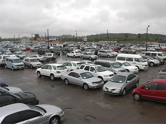 Рынок подержанных авто в Украине в октябре рухнул на 82%